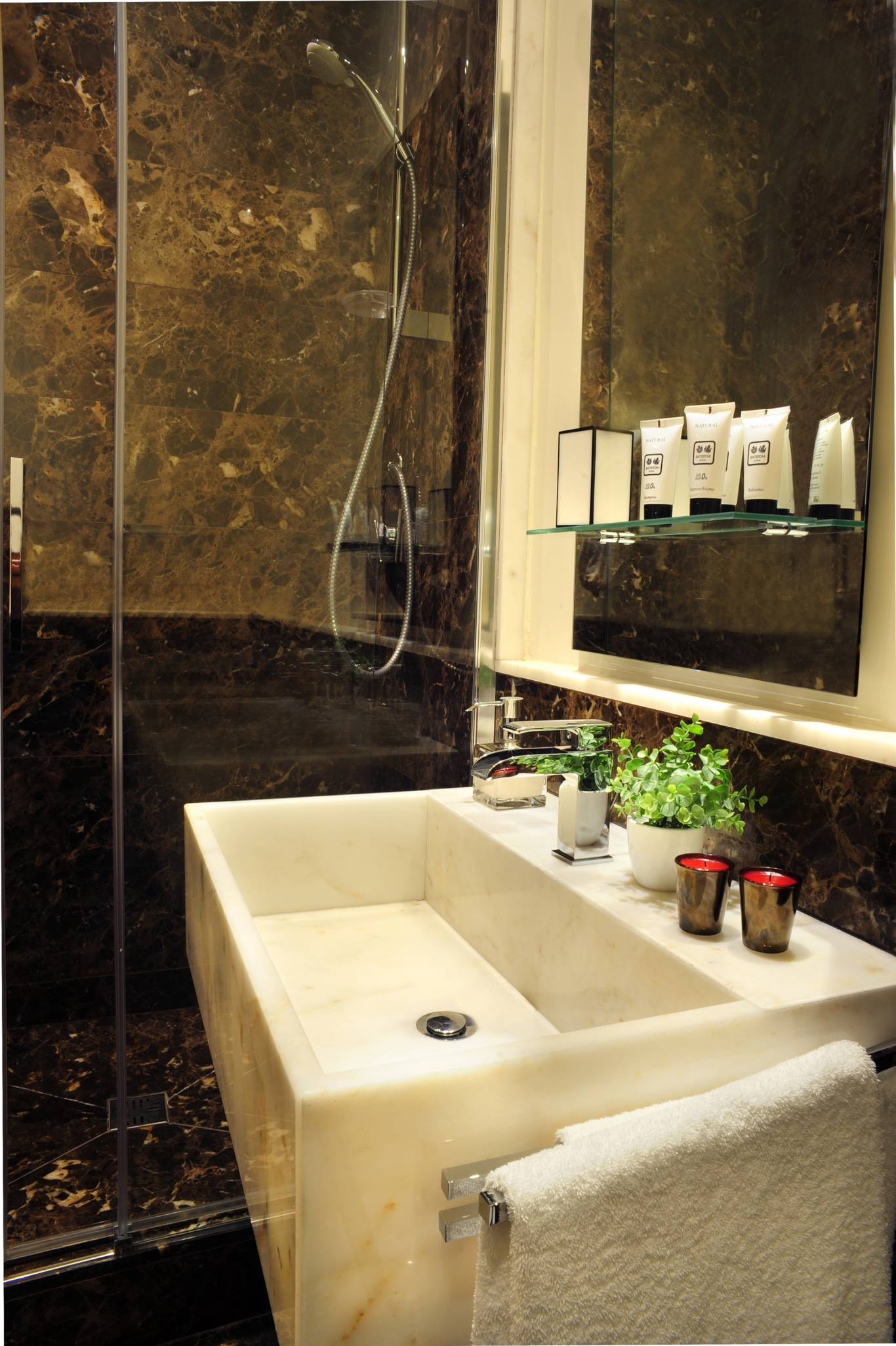 Nerva-Boutique-Hotel-bathroom-12