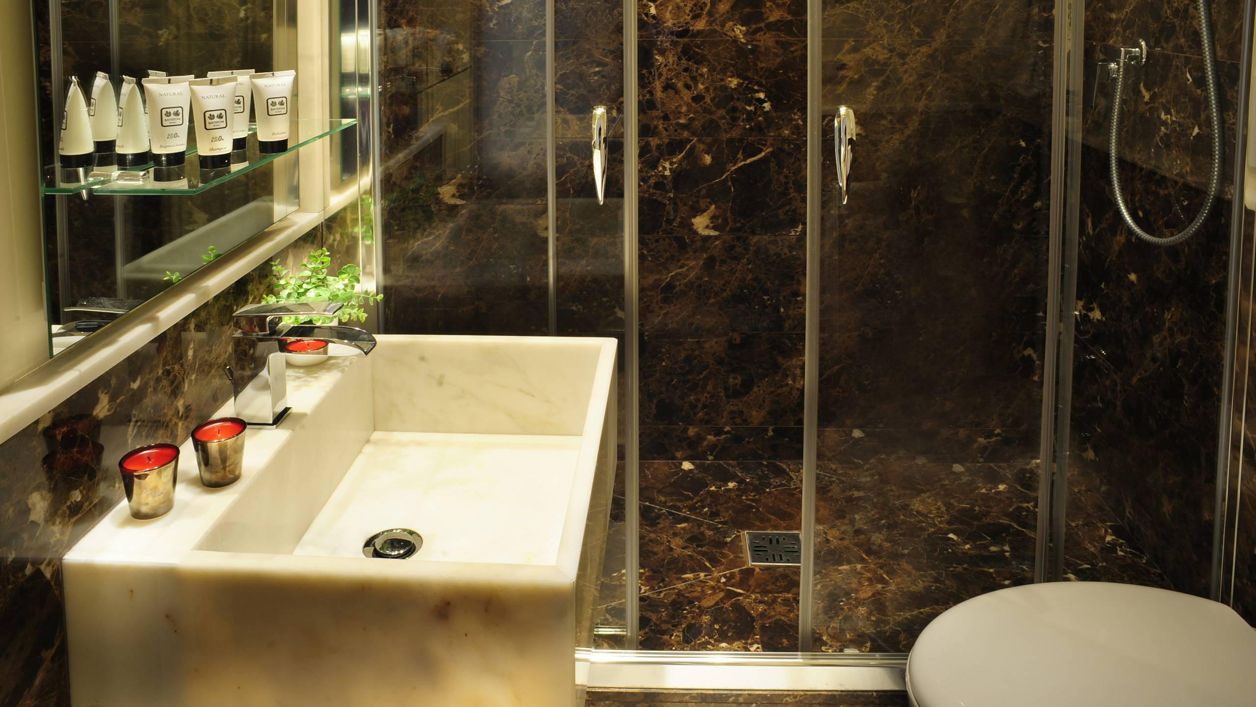 Nerva-Boutique-Hotel-bathroom-8